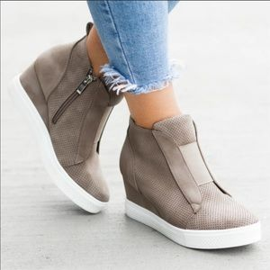 Shoes - One left- size 8🔥5X SOLD OUT Wedge Sneakers🔥